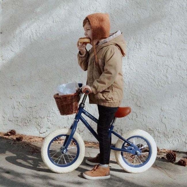 אופני איזון בצבע כחול נייבי