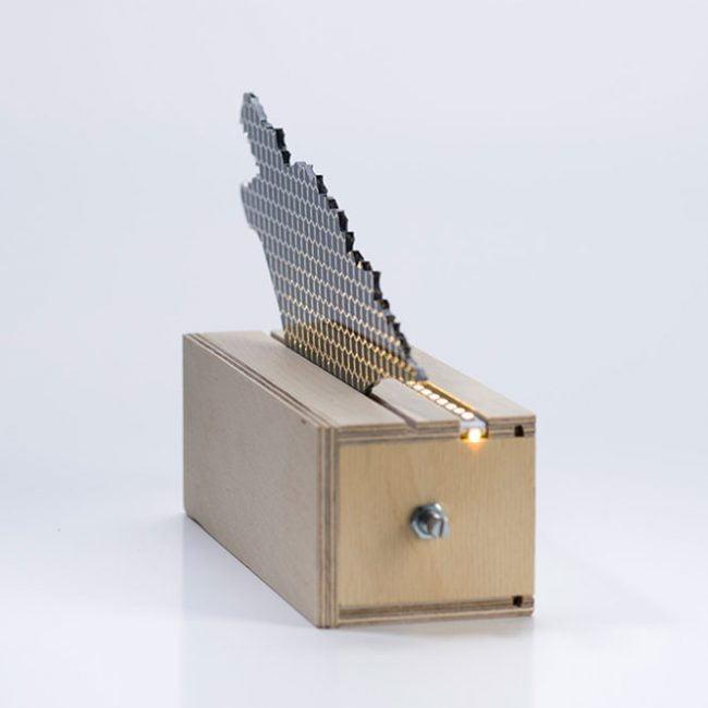 מנורת תנין קדמוני
