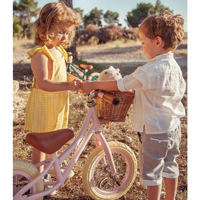 אופני איזון בצבע ורוד