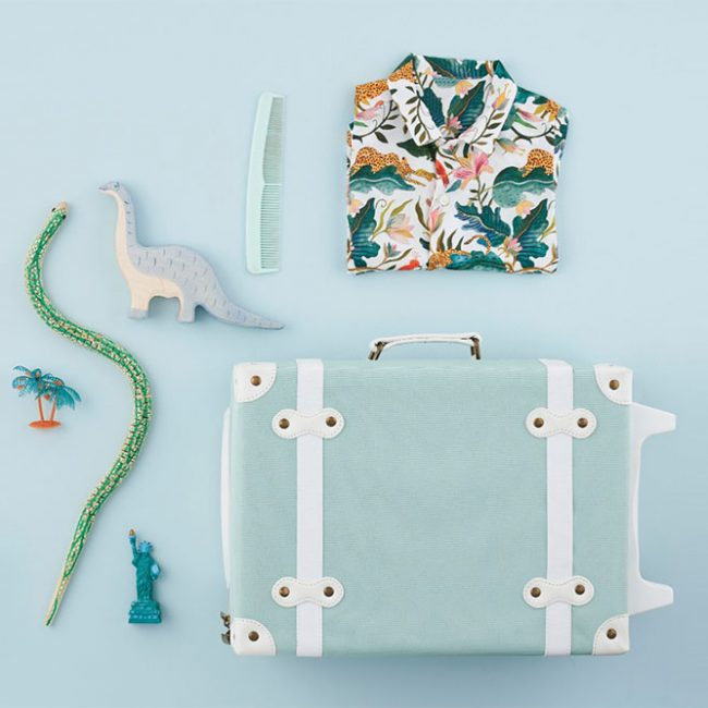 מזוודה בצבע מנטה