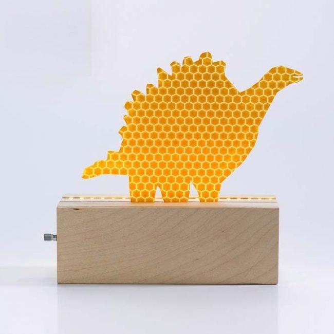 מנורת דינוזאור צמחוני