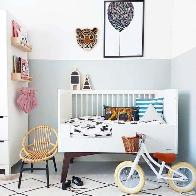 אופני איזון בצבע לבן