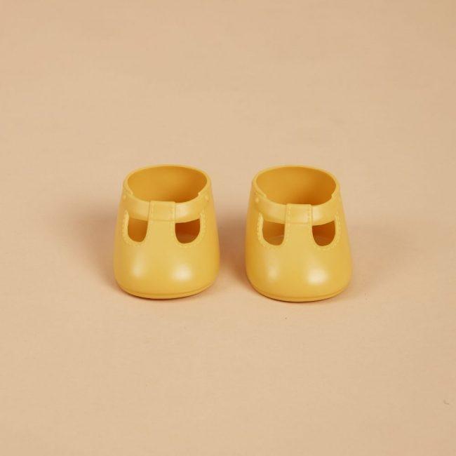 נעליים לבובה בצבע צהוב
